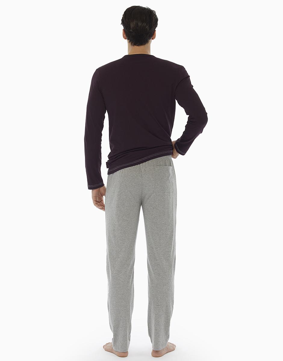 Pigiama manica e gamba lunga, bordeaux, in jersey di cotone con girocollo e carrè in contrasto colore, , LOVABLE