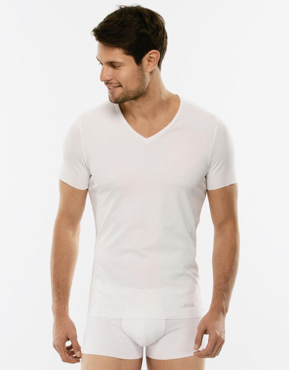 T-Shirt Invisible Cotton bianca in cotone elasticizzato con scollo a V-LOVABLE
